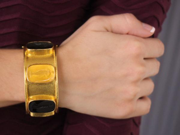 "Elizabeth Locke Wide Venetian Glass Intaglio ""Muse"" Bangle In Neutral Colors model shot #2"