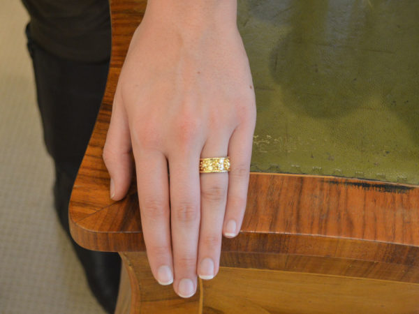 "Elizabeth Locke  Gold ""Daisy"" Flat Band Ring"