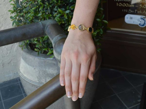 Elizabeth Locke Venetian Glass Intaglio 'Cab Nico Putto with Butterfly & Round Goddess with Wheat' Link Bracelet