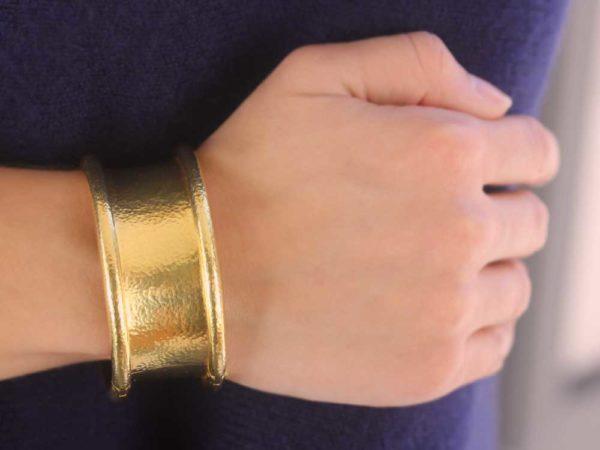 """Elizabeth Locke Hinged """"Amulet"""" Bangle Bracelet"""