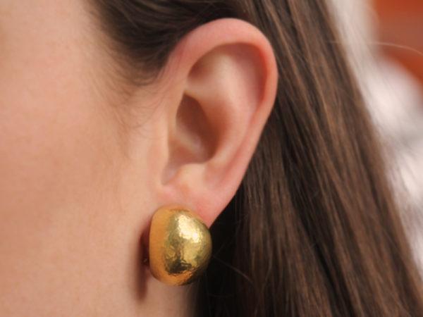 Elizabeth Locke Large Vertical Oval Earrings