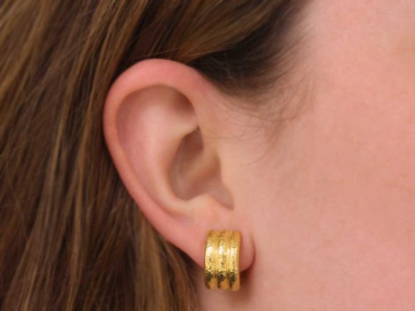 Elizabeth Locke Banded Hoop Earrings