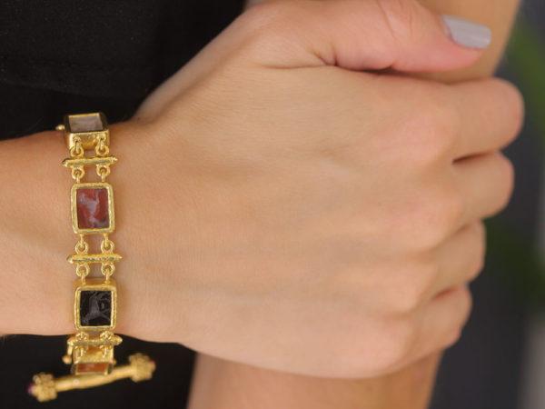 "Elizabeth Locke Neutral Venetian Glass Intaglio ""Zoo"" Bracelet with Bar Links and Toggle"