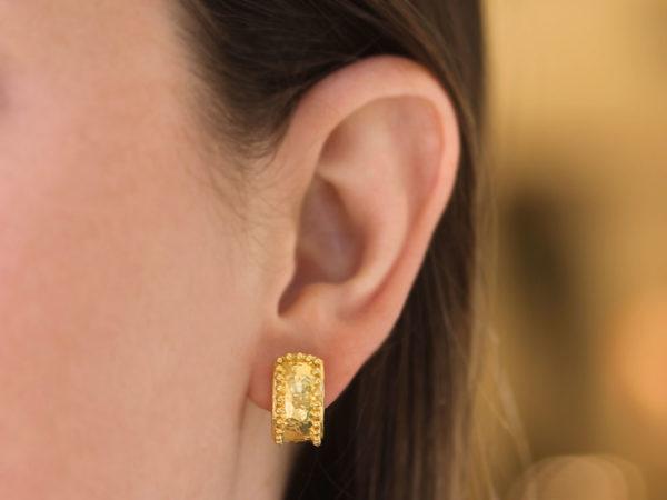 Elizabeth Locke Curved Wide Hoop Earrings With Granulation