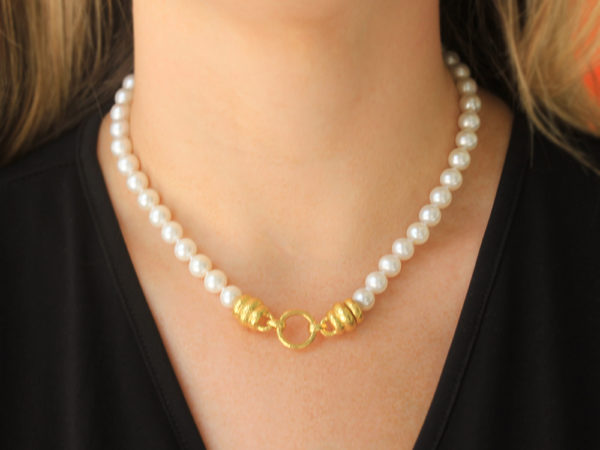 "Elizabeth Locke 17"" ""Martin"" Clasp Necklace With 8-8.5mm Fresh Water Pearls"