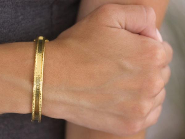Elizabeth Locke Flat Narrow Bangle Bracelet