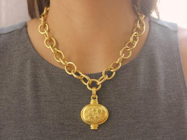 "Elizabeth Locke Horizontal Oval Gold ""Sailing Cherub"" Pendant"
