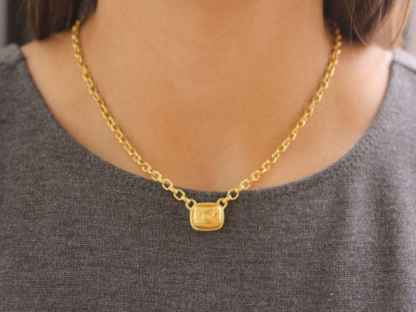 """Elizabeth Locke  16"""" """"Running Horse"""" On """"Treviso"""" Gold Link Necklace"""
