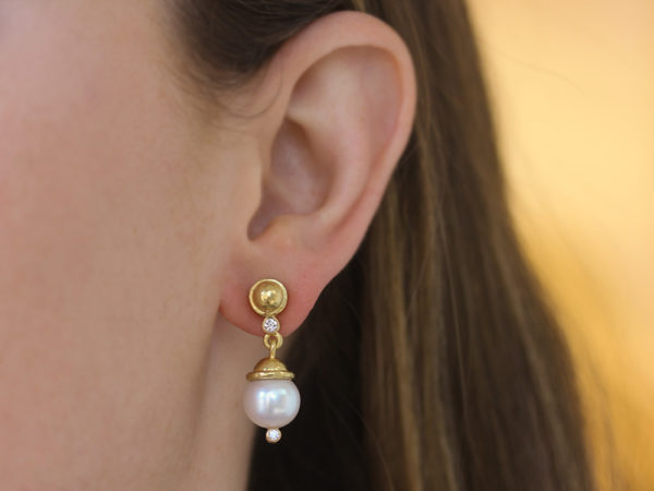 Elizabeth Locke Gold Dome and Diamond Earring with White Pearl Drop