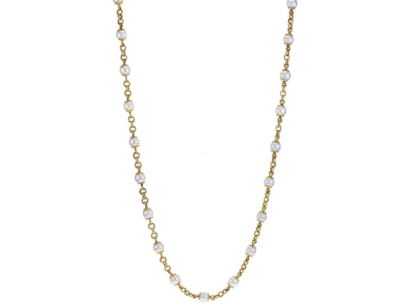 """Elizabeth Locke 31"""" Circle Clasp 7mm Pearl and Gold Link Necklace model shot #3"""