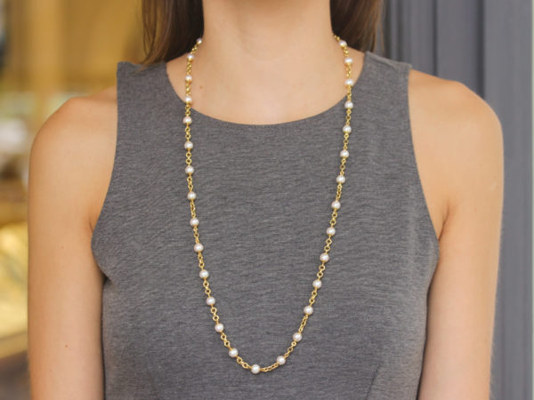 """Elizabeth Locke 31"""" Circle Clasp 7mm Pearl and Gold Link Necklace"""