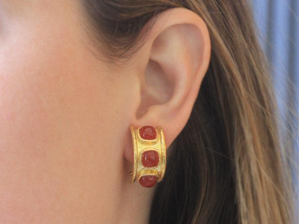 Elizabeth Locke Cabochon Carnelian Earrings in Large Flat Hoop with Rims