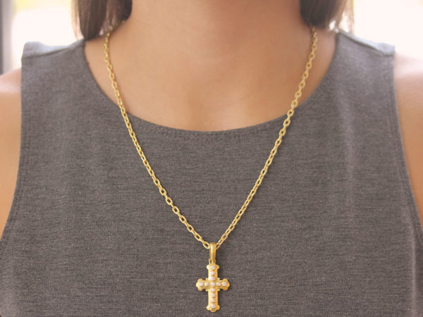 Elizabeth Locke Small Byzantine Diamond Cross Pendant