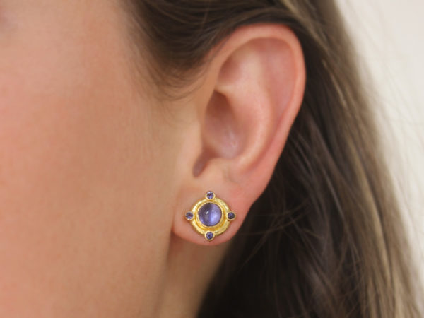 Elizabeth Locke Round Cabochon and Faceted Iolite Earrings