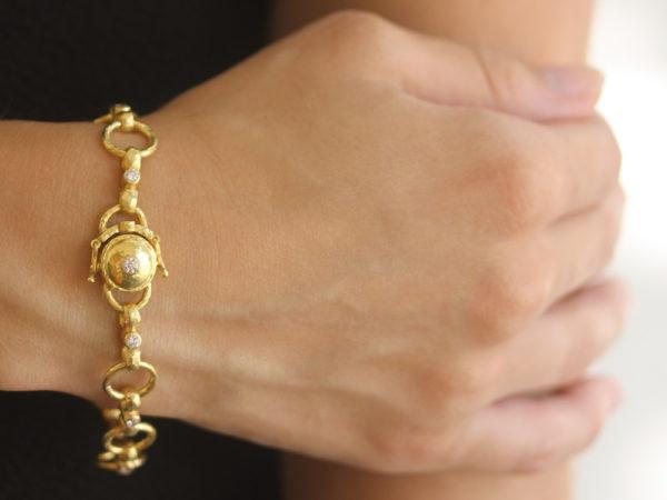"Elizabeth Locke Diamond ""Celtic"" Link Bracelet with Diamond On Box Clasp model shot #2"