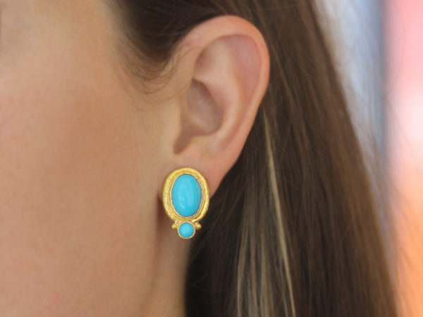 Elizabeth Locke Vertical Oval Turquoise Earrings