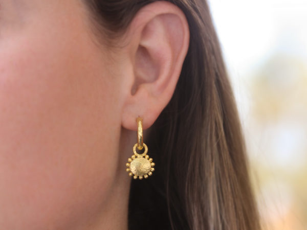 Elizabeth Locke Horizontal Oval Gold Dome Earring Charms For Hoops With Granulated Edge