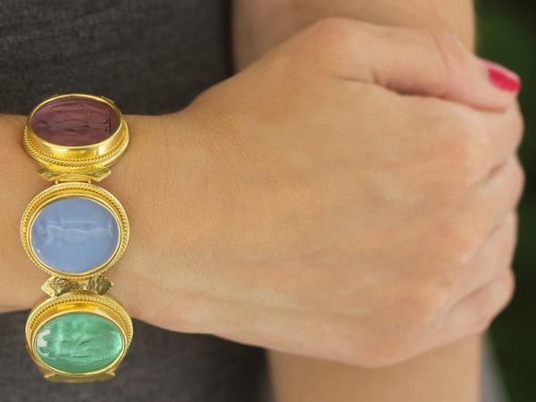 """Elizabeth Locke Venetian Glass Intaglio """"Pastel"""" Colored Pastel Large Oval Venetian Glass Bracelet"""
