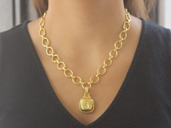 "Elizabeth Locke Gold Cushion ""Fat Bee"" Pendant With Stationary ""O"" Ring and Hinged, Banded Bale"