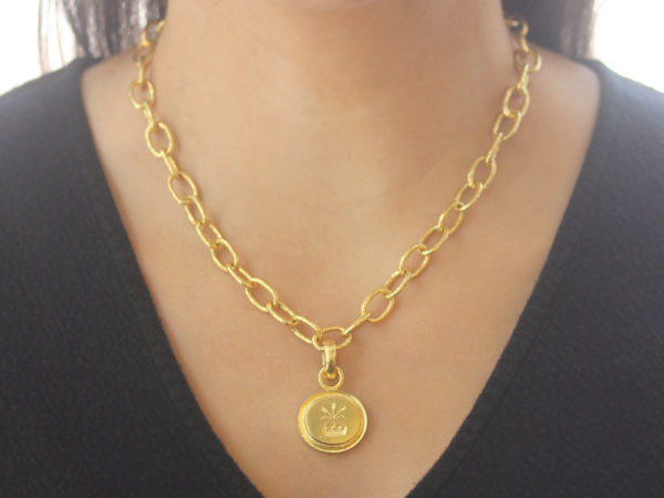 "Elizabeth Locke Gold ""Arrow and Castle"" Seal in ""Athenian"" Bezel Pendant"