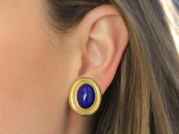 Elizabeth Locke Vertical Oval Lapis Earrings