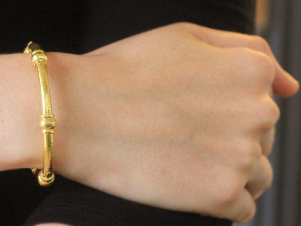 Elizabeth Locke Heavy Wire Bangle Bracelet with Four Barrels