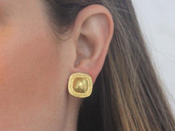 Elizabeth Locke Square Gold Dome Earrings with Flat Ridge Bezel