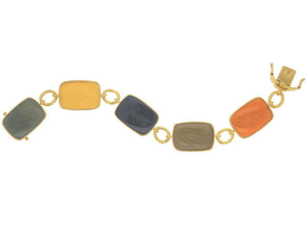 "Elizabeth Locke Fall Venetian Glass Intaglio ""Muse"" Bracelet with Small Oval Link Connectors and Box Clasp thumbnail"