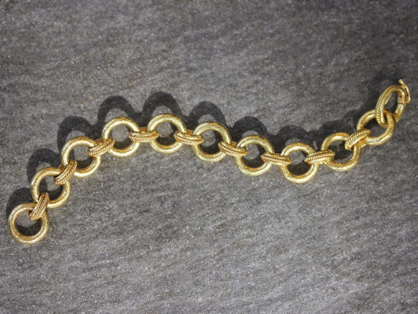 "Elizabeth Locke ""Ravenna"" Link Bracelet With Hidden Closure Clasp model shot #2"