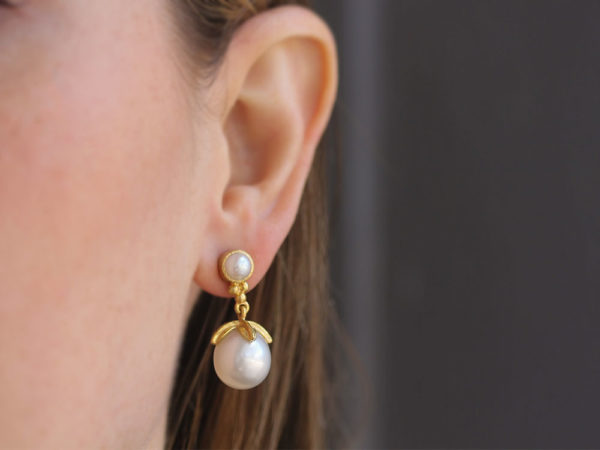 Elizabeth Locke Pearl and Bottom Gold Triad with Swinging Pearl with Leaf Cap Drop Earrings