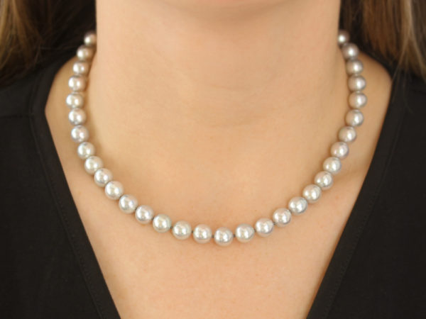 "Elizabeth Locke 17"" Granulated ""Lucrezia"" Clasp Necklace With 8.5-9mm Silver Akoya Pearls model shot #2"