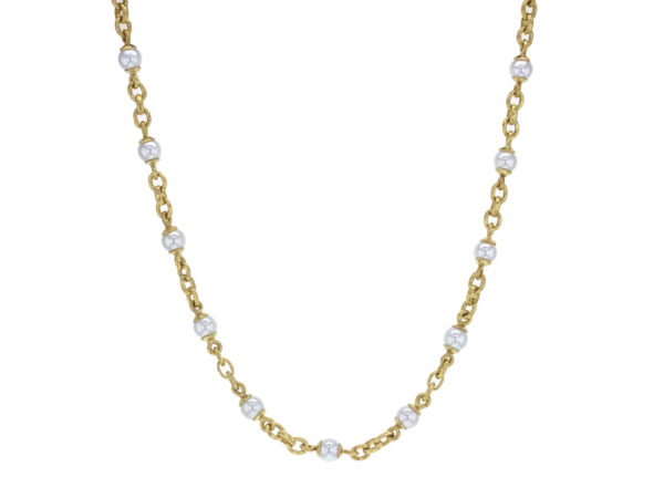 "Elizabeth Locke 17"" Akoya Pearl and Small Gold Link Necklace with Gold Circle Clasp model shot #4"