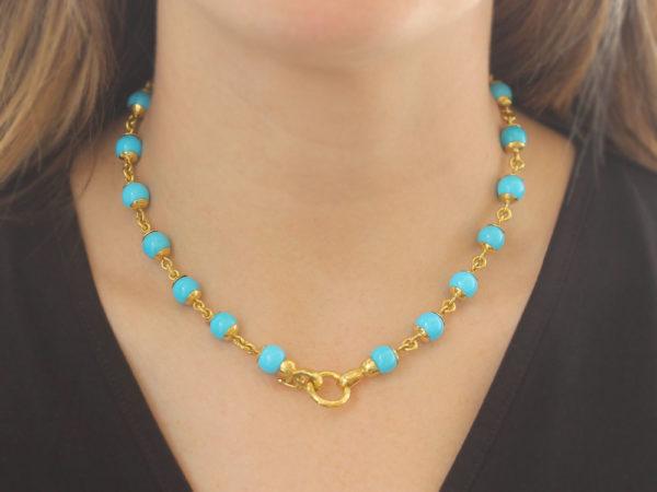 "Elizabeth Locke 17"" Turquoise Bead & Gold Link Necklace with Circle Clasp model shot #3"