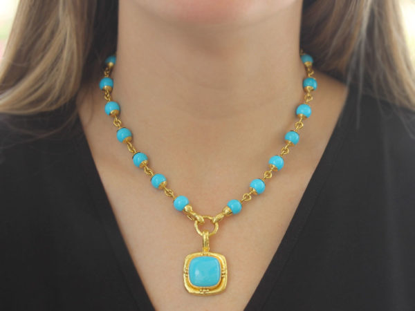 """Elizabeth Locke 17"""" Turquoise Bead & Gold Link Necklace with Circle Clasp"""