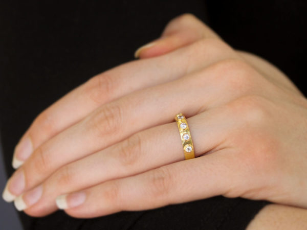 Elizabeth Locke Diamond Flat Ribbon Stack Ring with Diamonds