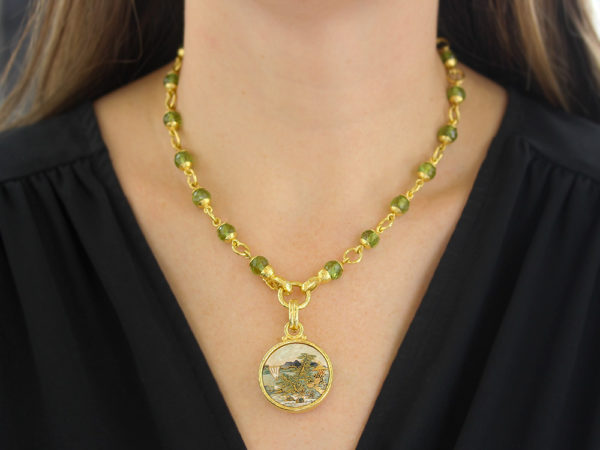 """Elizabeth Locke 17"""" Faceted Peridot Bead & Gold Link Necklace with Circle Clasp"""