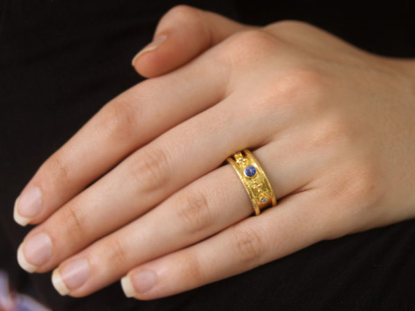Elizabeth Locke Narrow Straight Blue Sapphire and Diamond Cigar Band