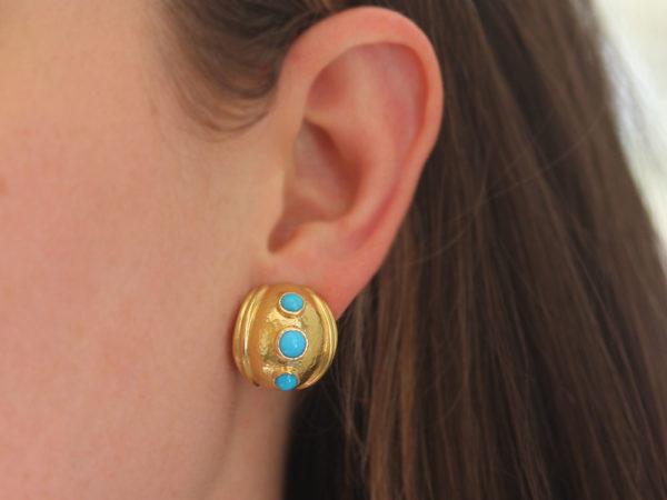 Elizabeth Locke Small Sleeping Beauty Turquoise Puff Earrings