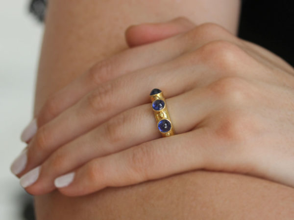 Elizabeth Locke Round Cabochon Blue Sapphire Stack Ring with Gold Dots